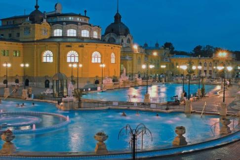 Szechenyi Spa Budapest City Sightseeing