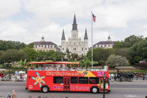 new orleans city sightseeing hop on hop off bus tour tickets deals 365tickets. Black Bedroom Furniture Sets. Home Design Ideas